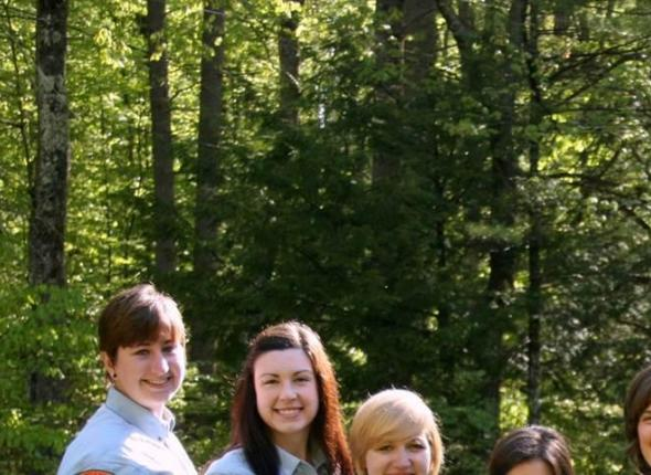 Debbie, Rachael, Kelsey, Nicole, Emily, Caleb, Andrew, and Steve during field trip time!